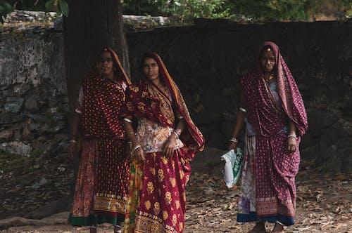 Ảnh lưu trữ miễn phí về Ấn Độ, chụp ảnh, khăn trùm đầu, mặc truyền thống
