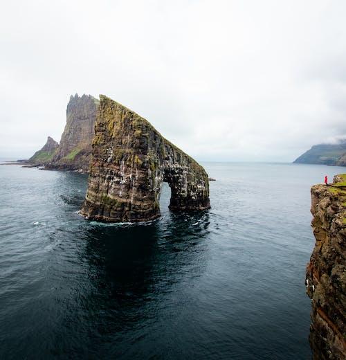 Gratis lagerfoto af færøerne, hav, klippe, klippefyldt