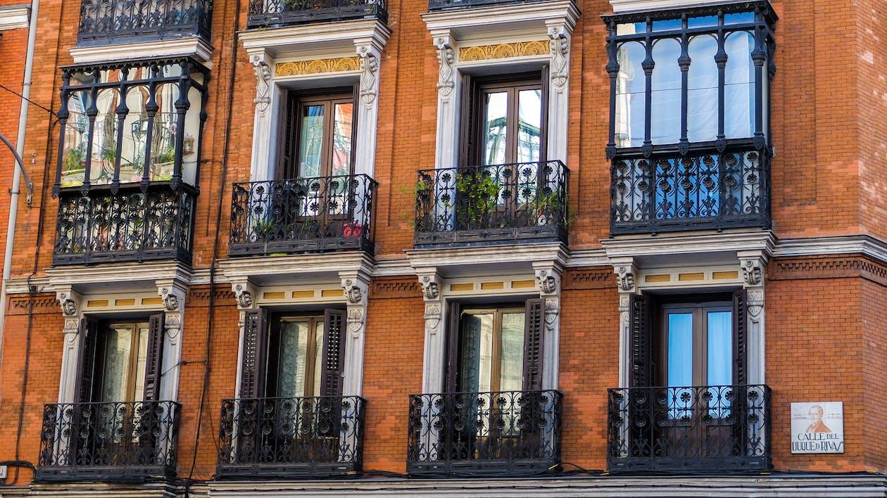 Apartemen, Arsitektur, balkon