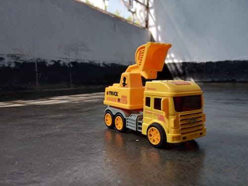 Ảnh lưu trữ miễn phí về xe tải màu vàng