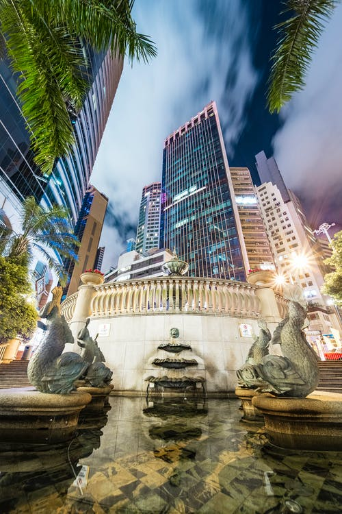 Immagine gratuita di città, edifici, fontana, notte