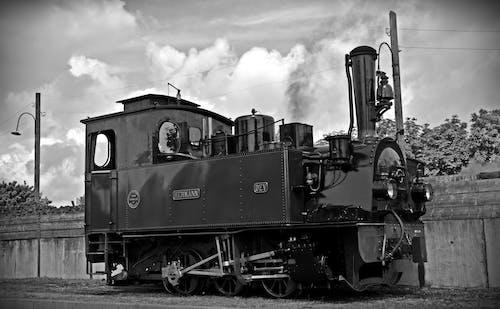 Základová fotografie zdarma na téma černobílý, dopravní systém, hermann, historicky