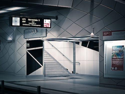 คลังภาพถ่ายฟรี ของ กระจก, การจราจรทางรถไฟ, การสะท้อน, ข้างใน