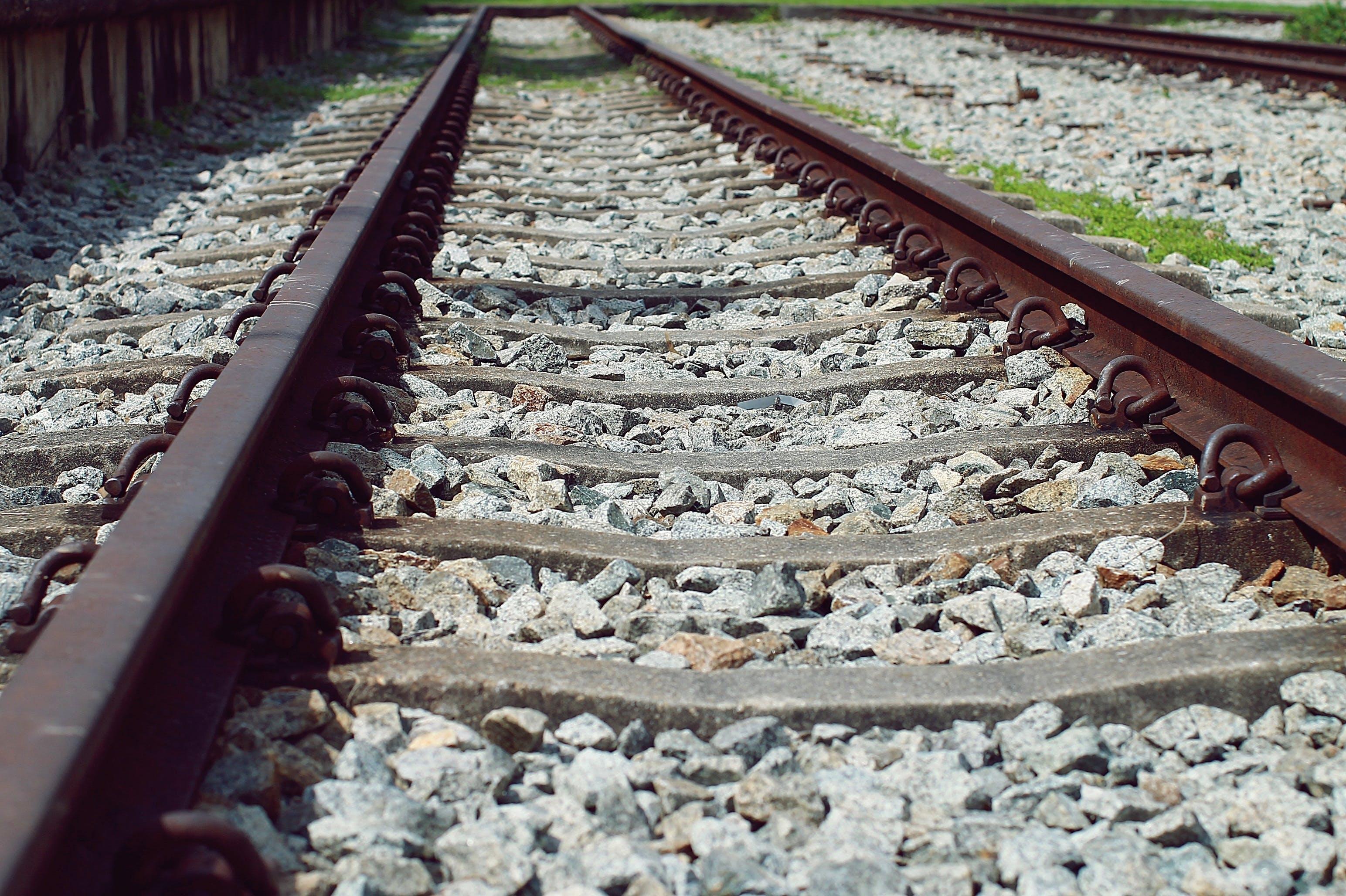 Kostenloses Stock Foto zu eisen, eisenbahn, eisenbahnlinie, eisenbahnschienen