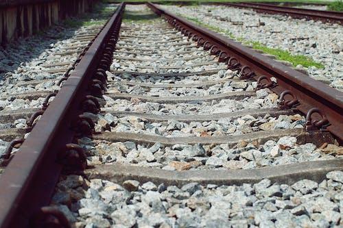 Photos gratuites de acier, bois, cailloux, chemin de fer