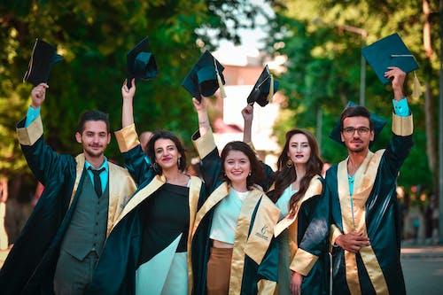 Imagine de stoc gratuită din absolvenți, absolvire, adâncime de câmp, adulți