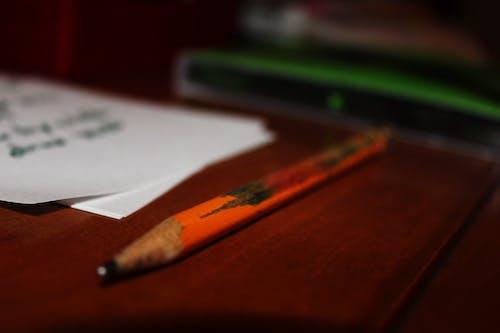 Foto d'estoc gratuïta de arc de Sant Martí, coses, escriptori, fusta