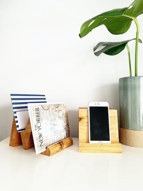 Ảnh lưu trữ miễn phí về bàn, quái vật, thực vật, điện thoại di động