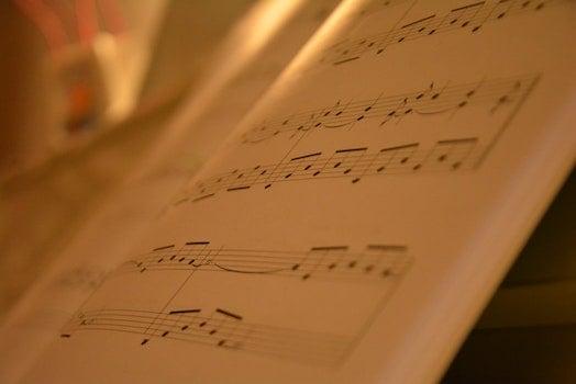 Kostenloses Stock Foto zu musik, buch, papier, nahansicht