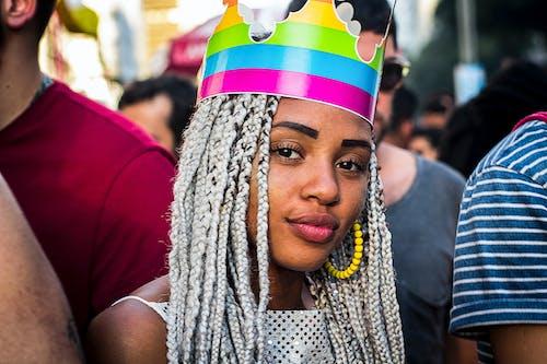 Kostnadsfri bild av ansiktsuttryck, färger, firande, flätor