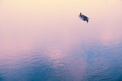 Безкоштовне стокове фото на тему «відображення, вода, Водний транспорт, дія»