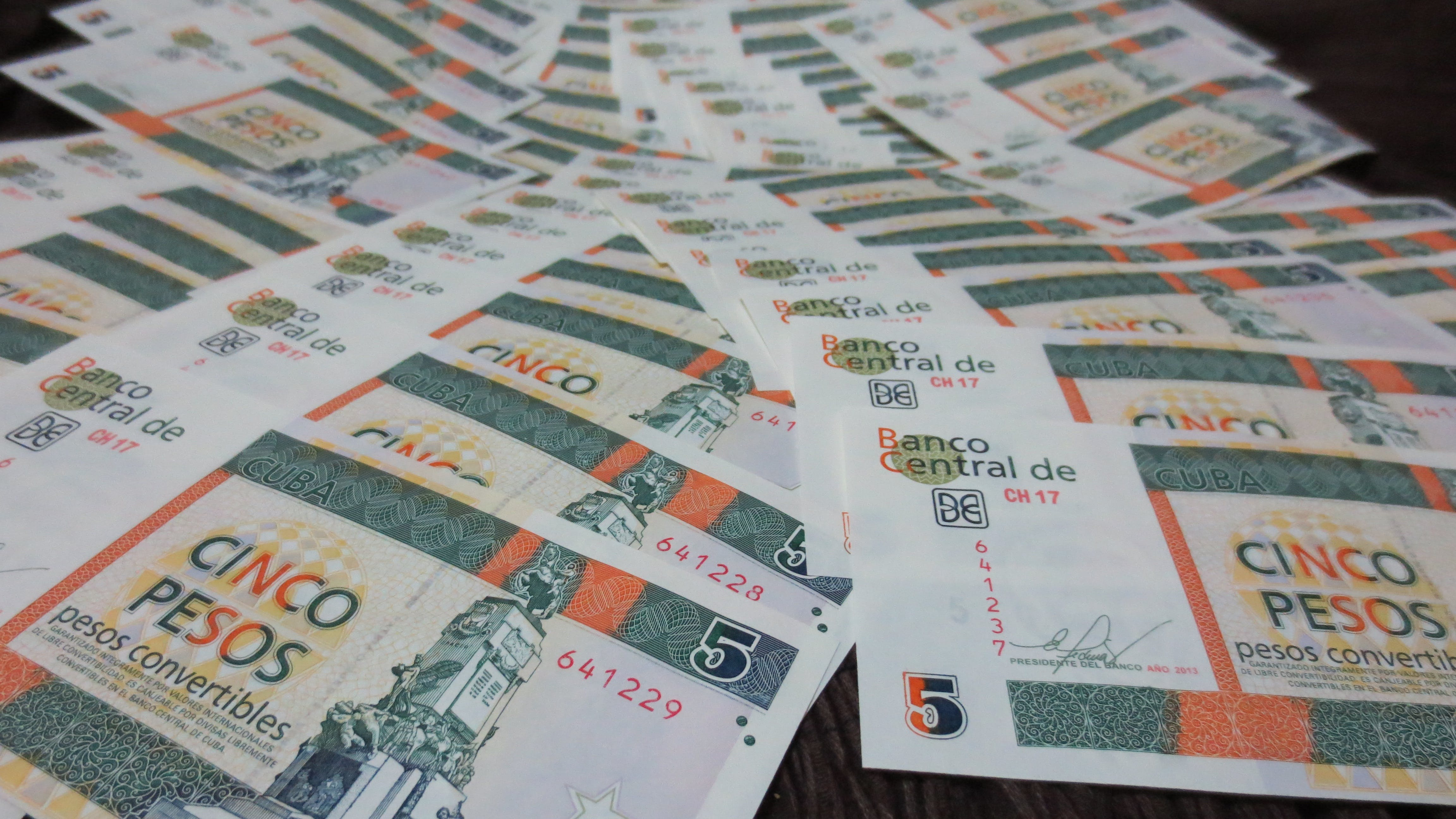 Free stock photo of banknote, cash and cash equivalents, cuba, cuc