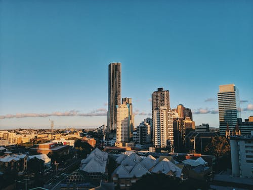 Photos gratuites de architecture, bâtiments, centre-ville, ciel bleu