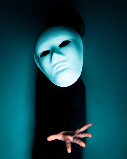 el, maske, sürünen içeren Ücretsiz stok fotoğraf