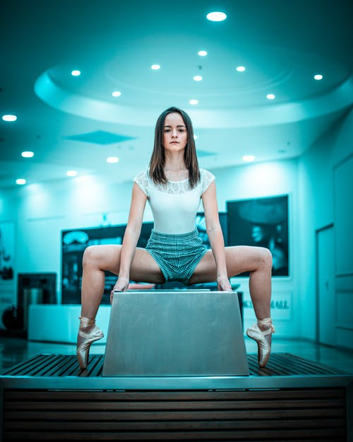 Безкоштовне стокове фото на тему «балет, великий план, взуття балетне, вираз обличчя»