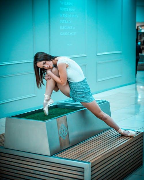 Fotos de stock gratuitas de adentro, bailarín, Bailarín de ballet, bailarina