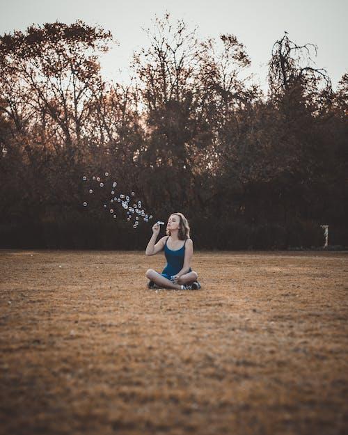 Gratis stockfoto met bubbels, iemand, mevrouw, persoon