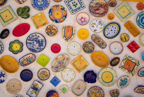 Assorted-color  of ceramic plates