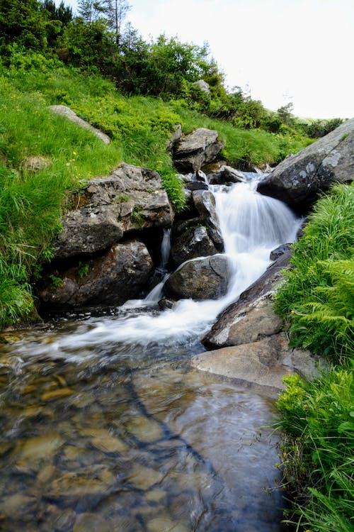 山岳, 水, 滝, 自然の無料の写真素材