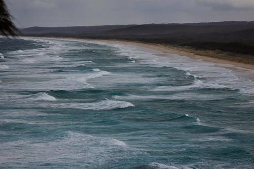 Gratis arkivbilde med bølger, hav, kystlinje