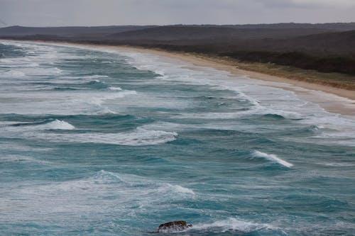 Gratis arkivbilde med hav, strand, strandlinje