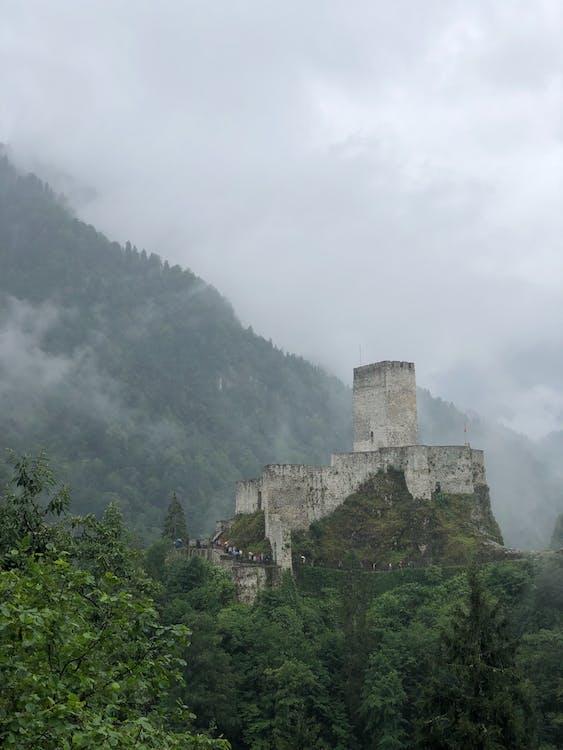 人, 地標, 城堡