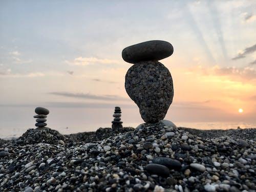 Fotobanka sbezplatnými fotkami na tému kamene, meditácia, mier, pláž