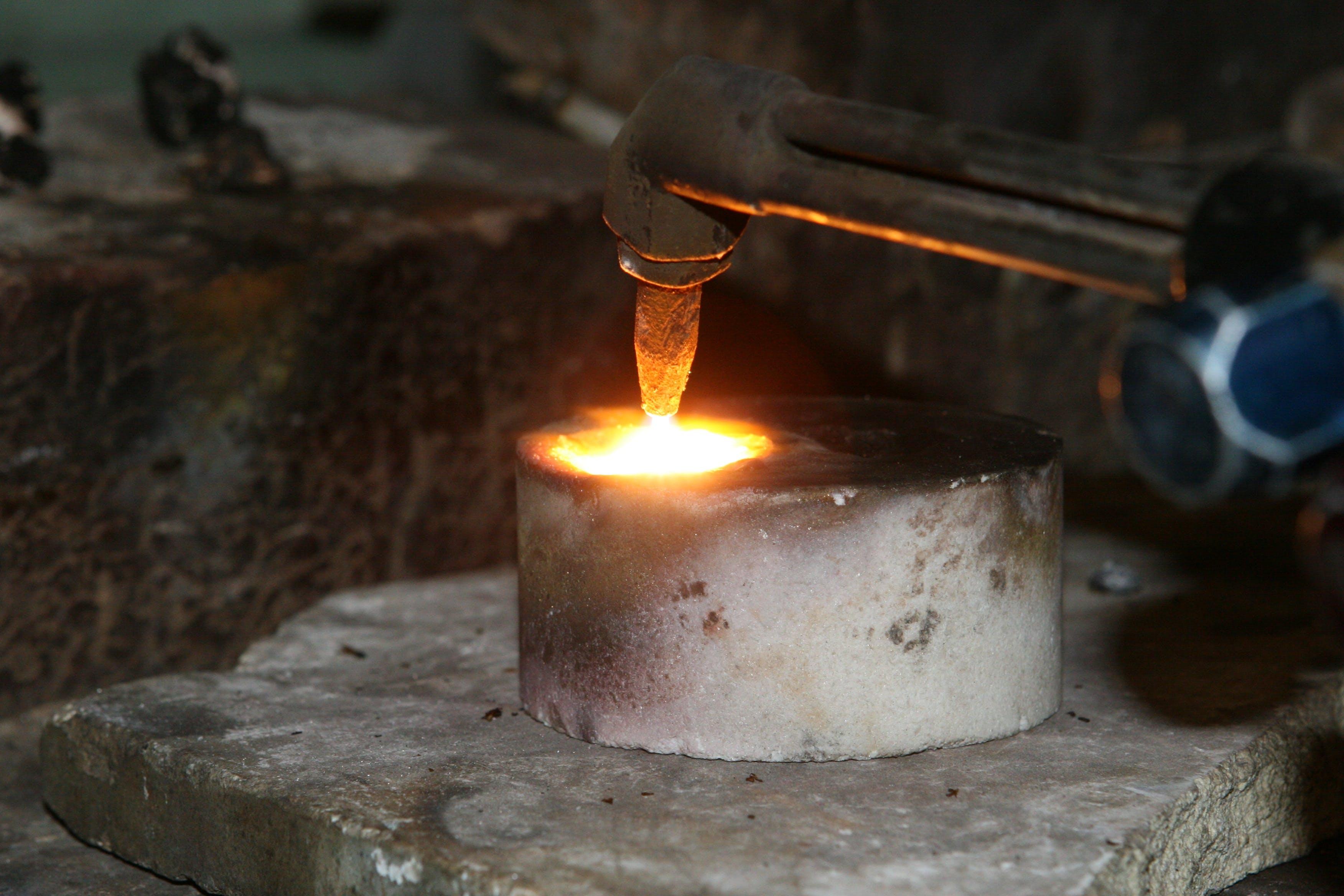 Kostenloses Stock Foto zu aluminium, arbeit, brand, brennen