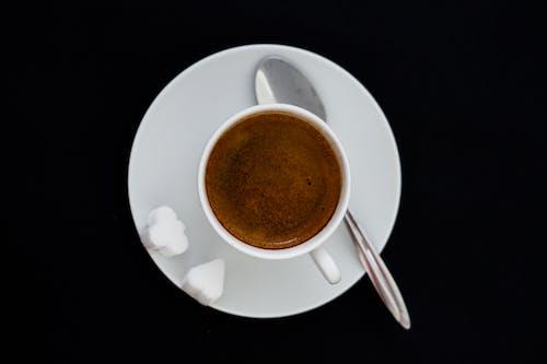 Foto stok gratis busa, cangkir dan lepek, kafein, kehidupan tenang