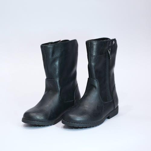Fotobanka sbezplatnými fotkami na tému balenie, čierne topánky, dámska obuv, detská obuv