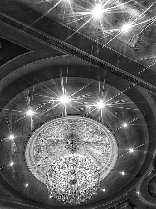 Foto profissional grátis de iluminação suspensa