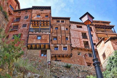 Ingyenes stockfotó ablakok, alacsony szögű felvétel, albarracin, aragón témában