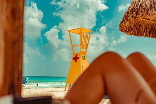Photos gratuites de cancun, jambes, plage, tour de sauveteurs