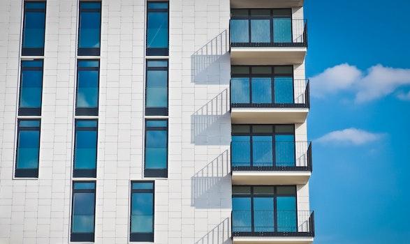 Kostenloses Stock Foto zu himmel, wolken, gebäude, glas
