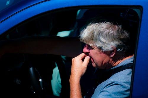 Kostnadsfri bild av blå, färja, lastbil, nervös