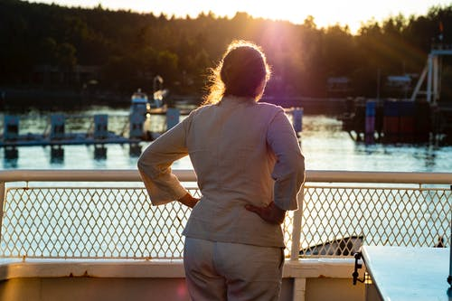 Photos gratuites de arrivée, bc ferries, coucher de soleil, femme