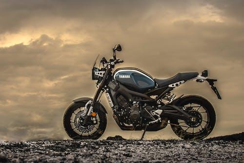 Fotobanka sbezplatnými fotkami na tému motocykle, Yamaha