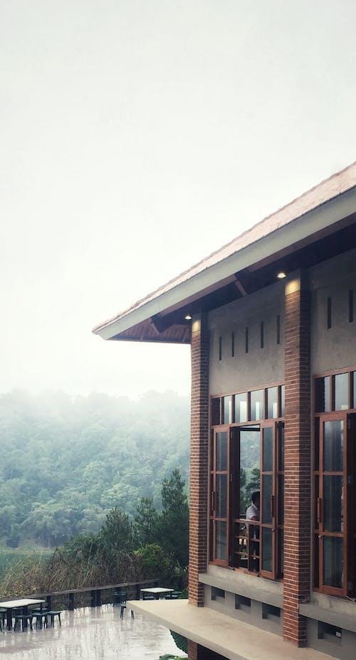 arduvaz, beton, bulut, çatı içeren Ücretsiz stok fotoğraf