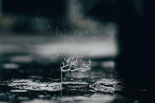 Ingyenes stockfotó csobbanás, eső, esőcsepp, hosszú expozíció témában