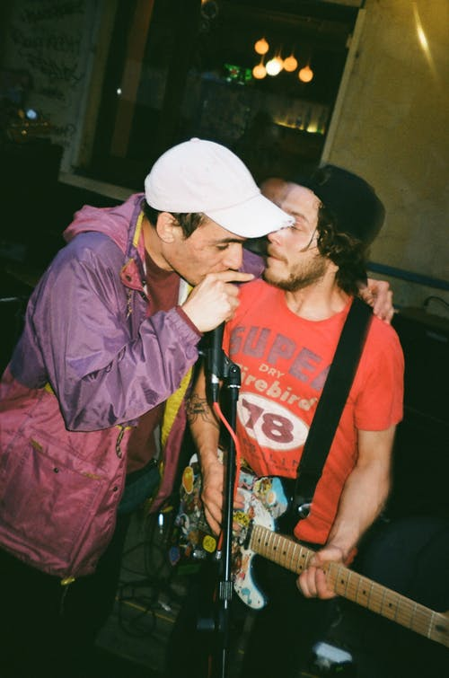 Fotobanka sbezplatnými fotkami na tému hudobná skupina, ľudia, muži, spev