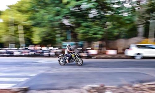 Fotos de stock gratuitas de bici, borroso, carril de bicicletas, desenfocado