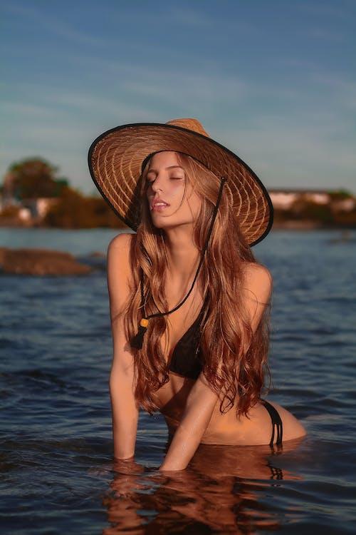 Fotos de stock gratuitas de actitud, agua, al aire libre, atractivo