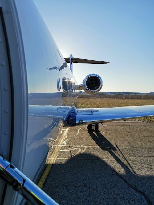 Kostenloses Stock Foto zu flugzeugflügel, flugzeugpropeller, g650, golfstrom