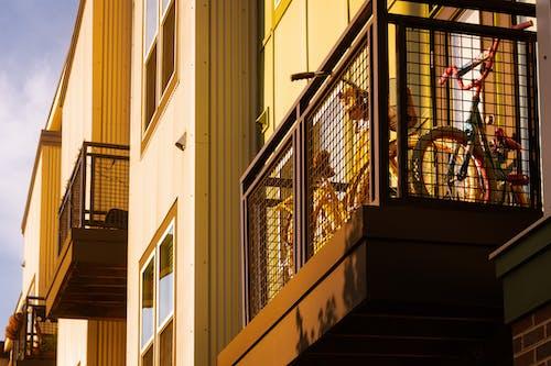 Photos gratuites de appartement, architecture, balcons, bâtiment