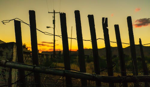 Free stock photo of abandoned building, arizona, barbed wire, clouds