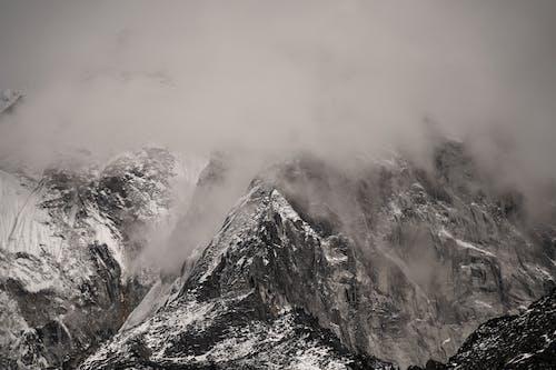 Δωρεάν στοκ φωτογραφιών με βουνό, βραχώδες βουνό, Ιμαλάια, κρύο