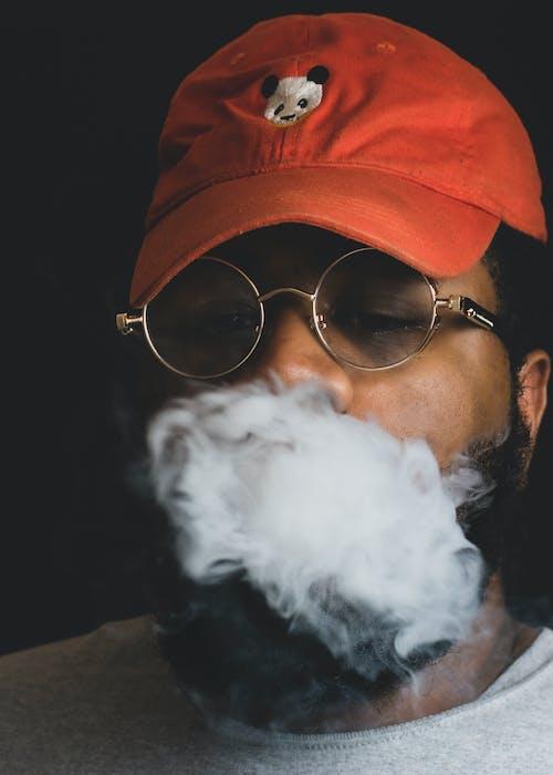 Fotobanka sbezplatnými fotkami na tému Afroameričan, brada, černoch, čiapka