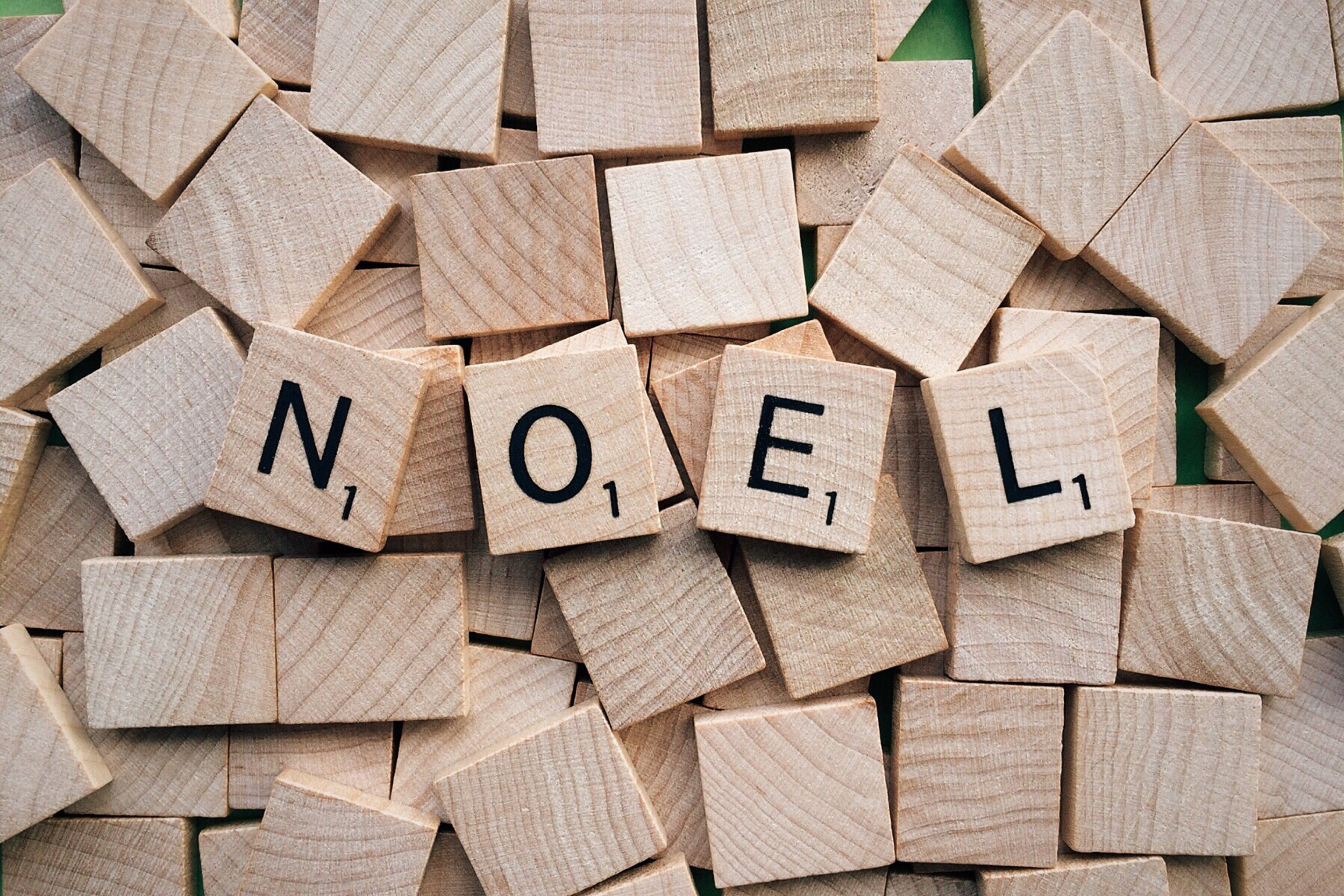 Brown Block Puzzle Board Noel Text