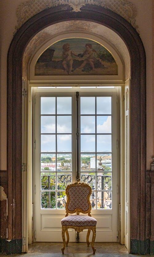 açık hava, balkon, bina, eski bina içeren Ücretsiz stok fotoğraf