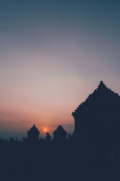 Foto profissional grátis de alvorecer, ancião, arquitetura, cair da noite